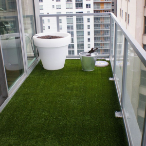 Elevate Your Toronto Condo Balcony with Synthetic Grass