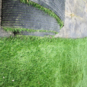 Top 5 Reasons Artificial Grass is Perfect for the Outdoor Space in Your Condo