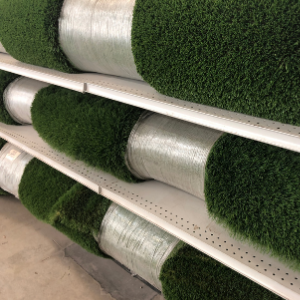 The Benefits of Getting Artificial Grass From the Experts VS a Big Box Store